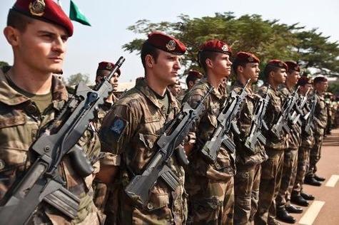 Bangui echanges de tirs pendant plusieurs heures au camp militaire de l aeroport article main